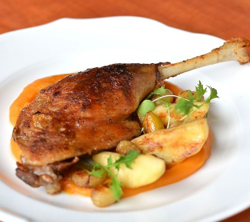 Goose leg served with sweet potato paste, chestnut and roasted apple