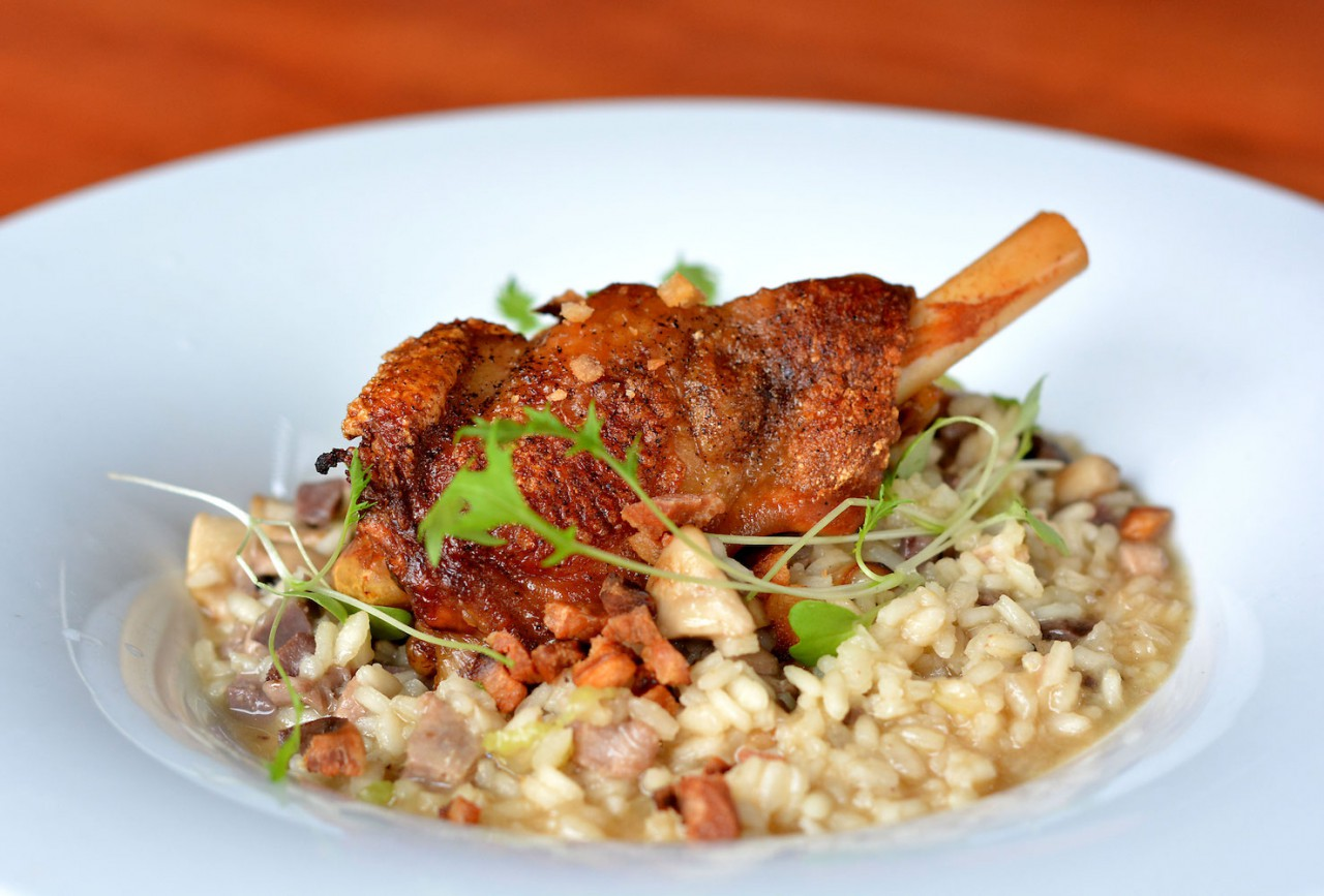 Boiled millet with goose giblets
